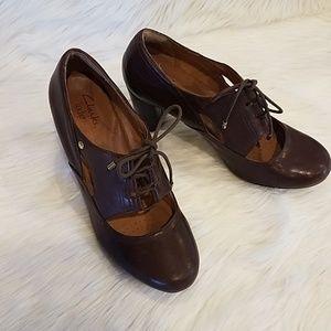 Clark's Indigo Brown heels Sz 9m